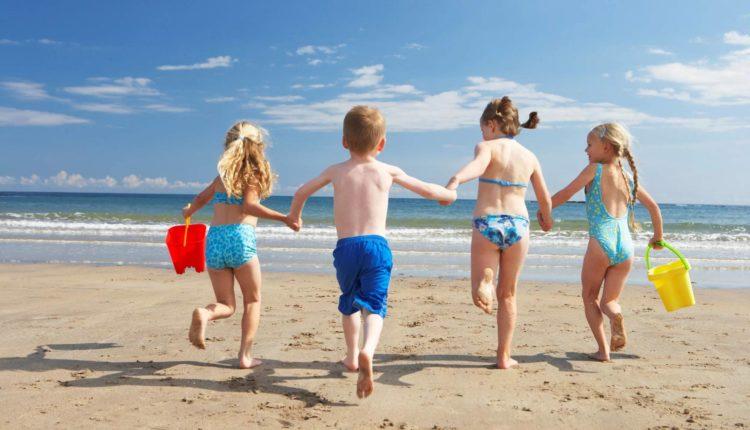 deti na plyazhe
