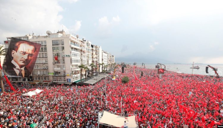 miting v Turcii
