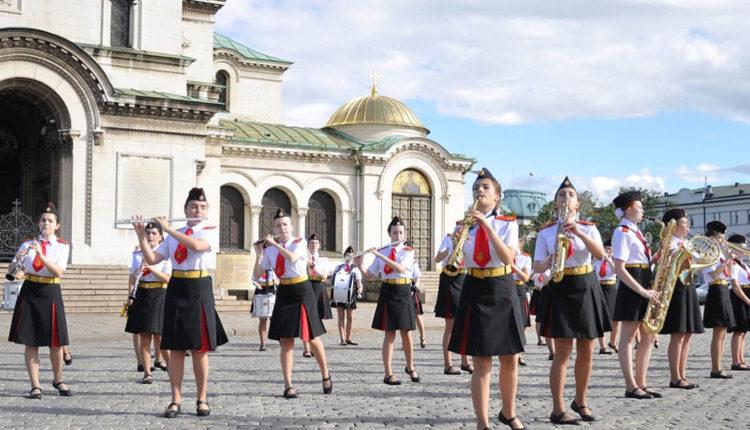 parady shkol v Bolgarii