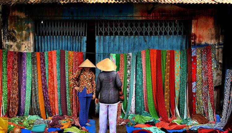 shelkovaya odezhda vo Vetname